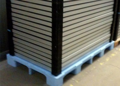 Tailor-made pallet for a customer who manu-factures high-quality solar modules.
