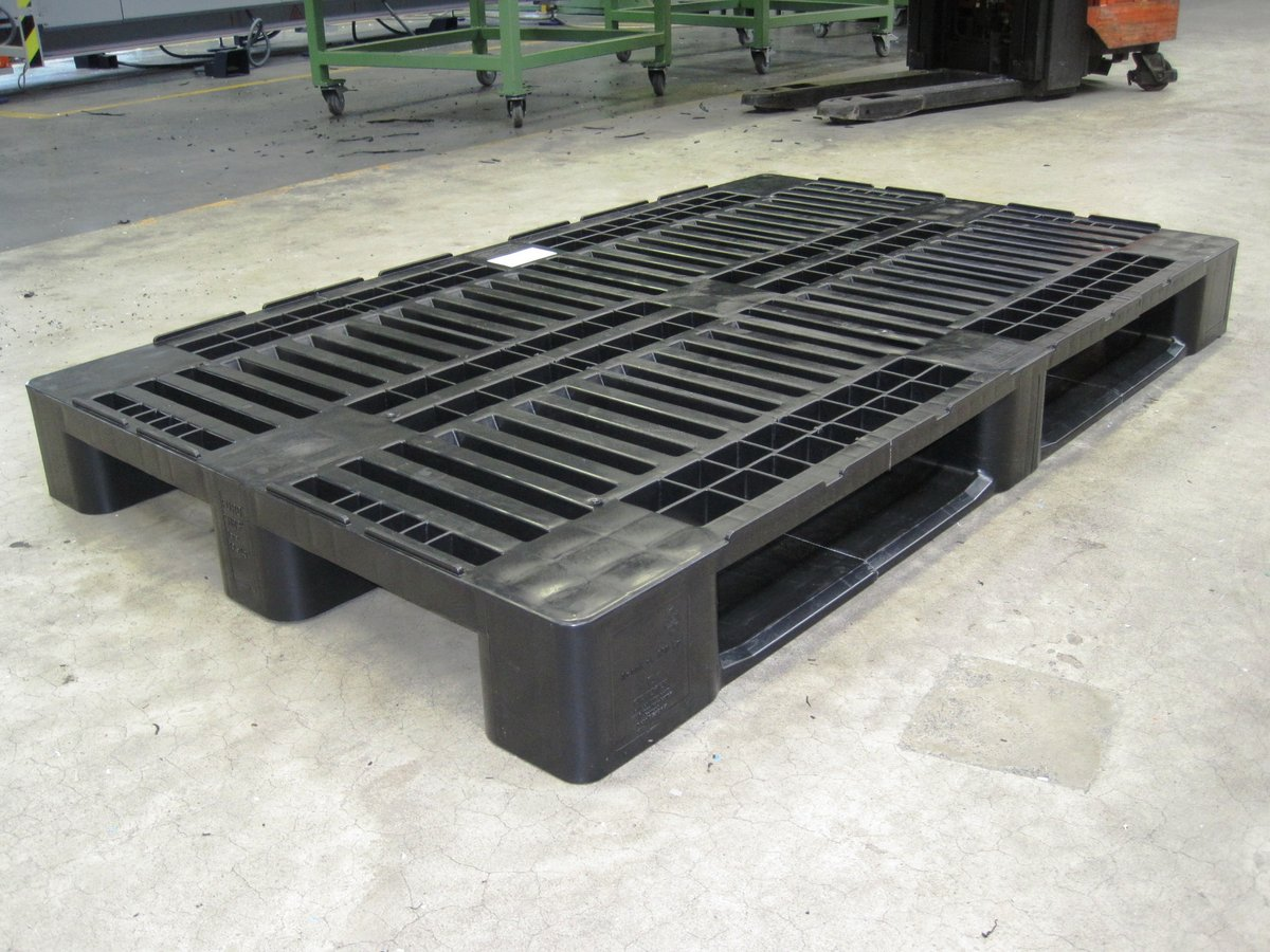H3 ECO plastic pallet in oversize for transportation of parts in overlength 1600 x 1000 mm